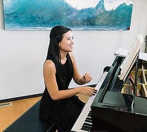 Karen Nguyen piano
