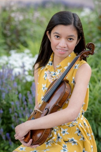 Caitlin Yambao